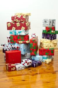 Pile of wrapped presents: http://christmasstockimages.com/free/objects/slides/many_christmas_gifts.htm (CC 3.0)